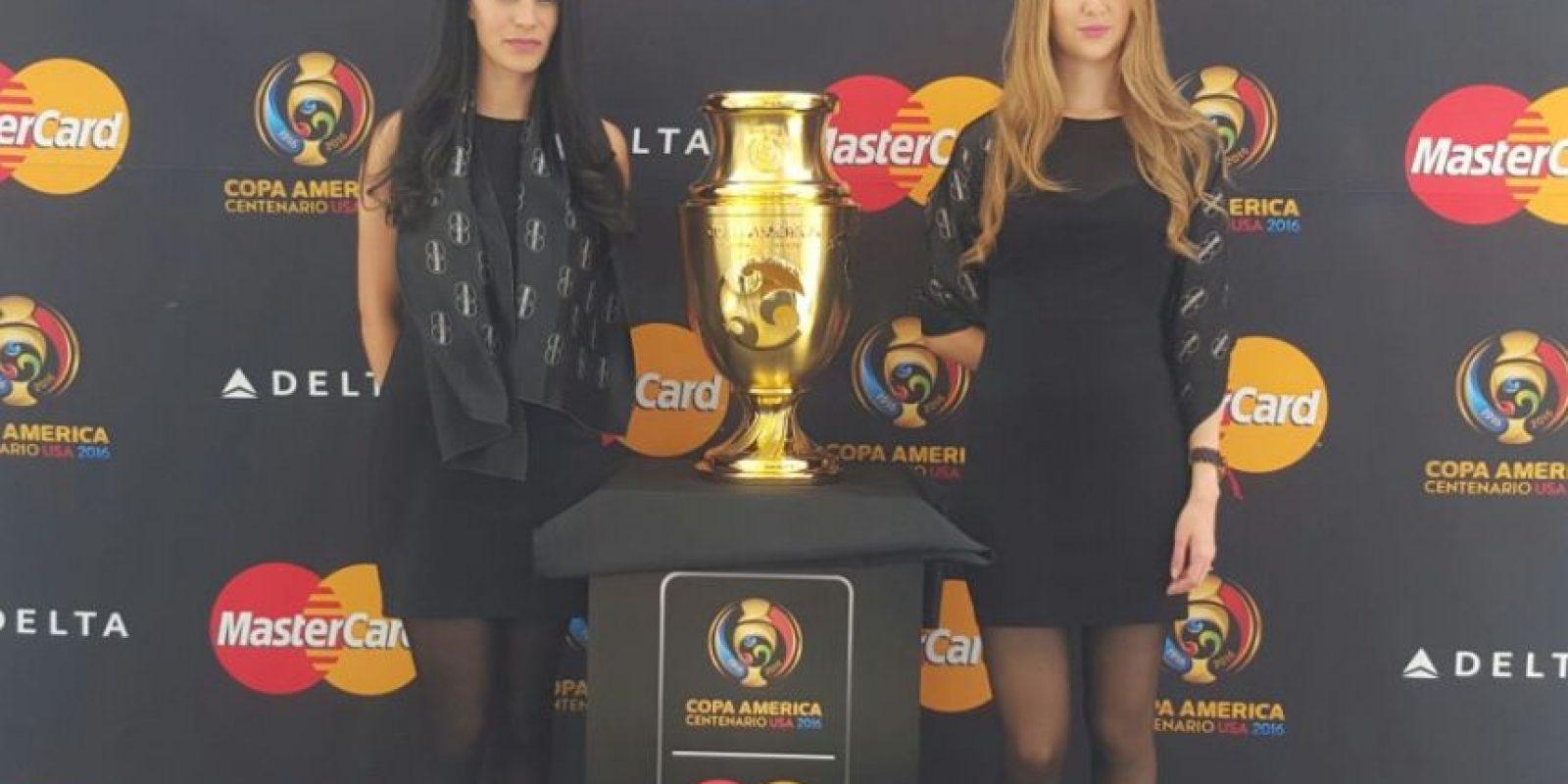 Presentan el trofeo de la Copa América en México Foto:Karina Bobadilla