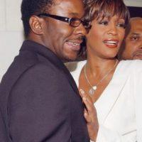 Las drogas y la violencia doméstica marcaron la relación de Whitney Houston y Bobby Brown. Foto:vía Getty Images