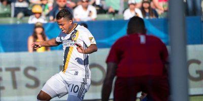 El mexicano Dos Santos abrió el marcador al minuto siete. Foto:Getty Images