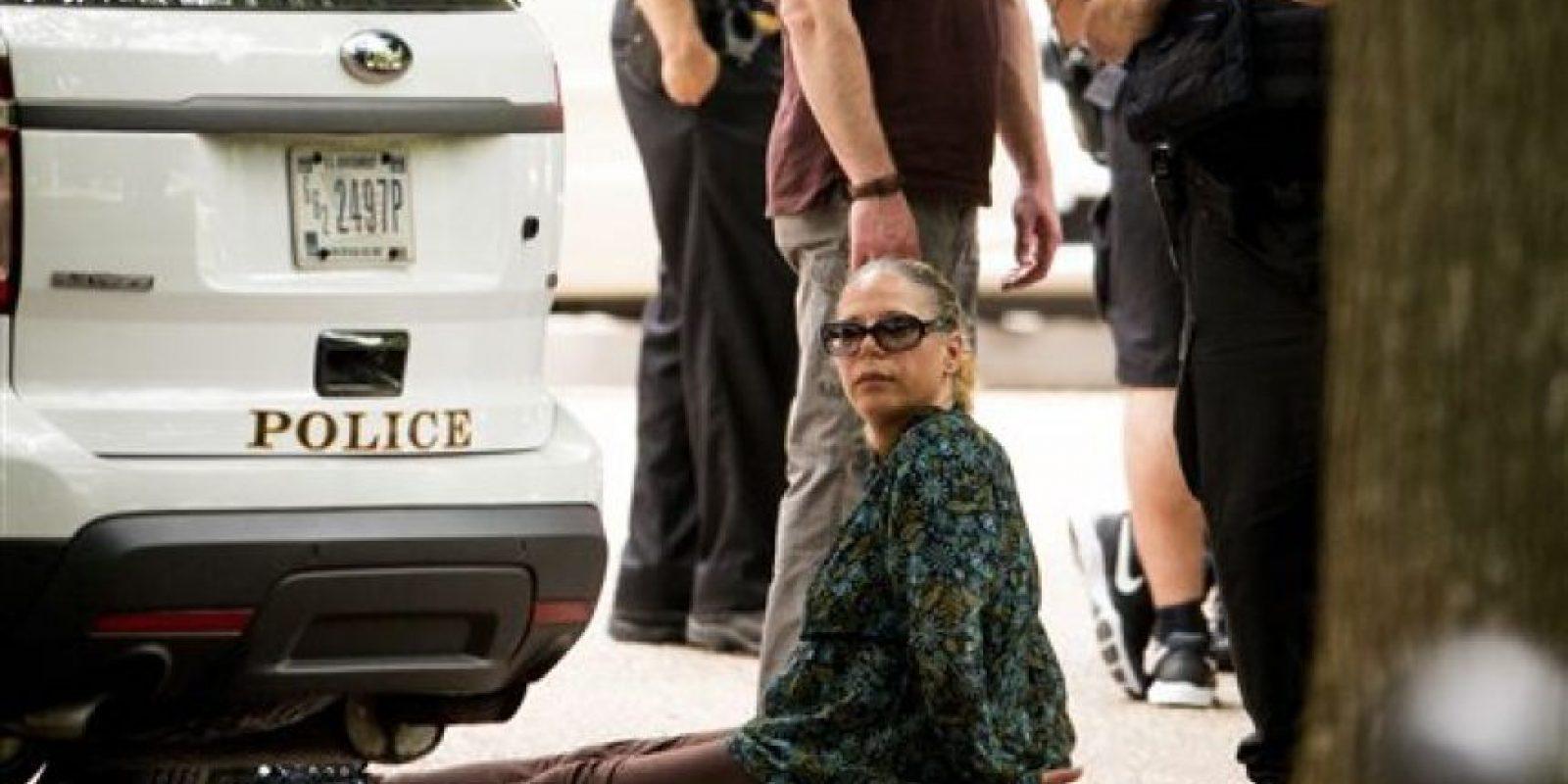 Una mujer fue detenida en el lugar Foto:ap