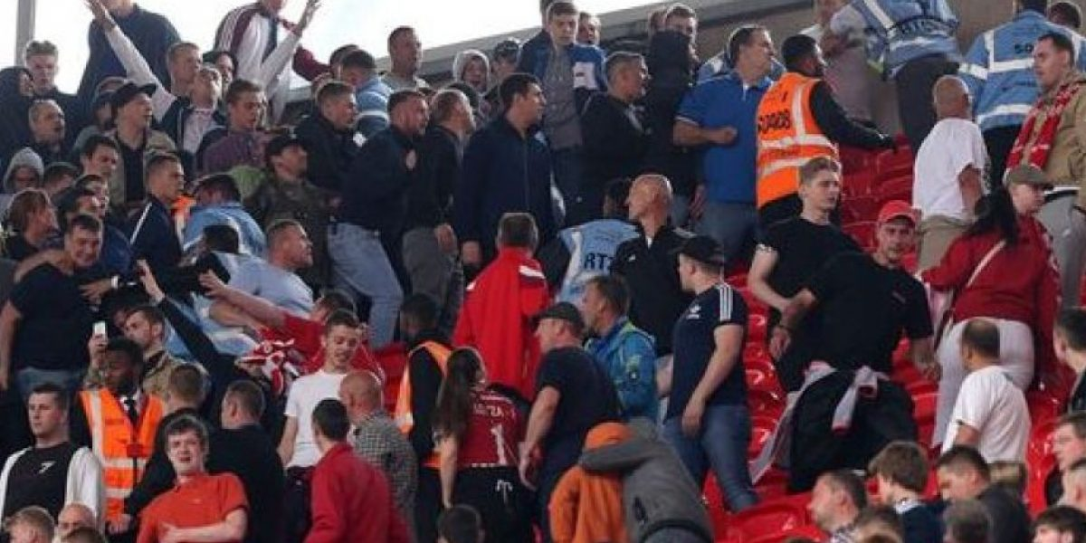 FOTOS: ¡Como en Hooligans! Aficionados de Millwall causan disturbios en Wembley
