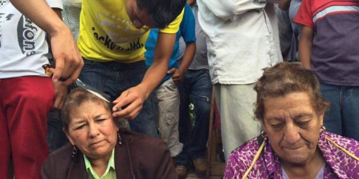 Simpatizantes de la CNTE rapan a maestros que no participan en paro en Chiapas