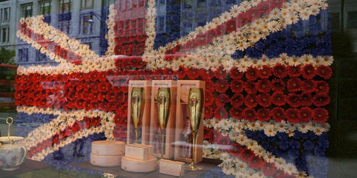 West End celebra los 90 años de la reina Isabel de Inglaterra