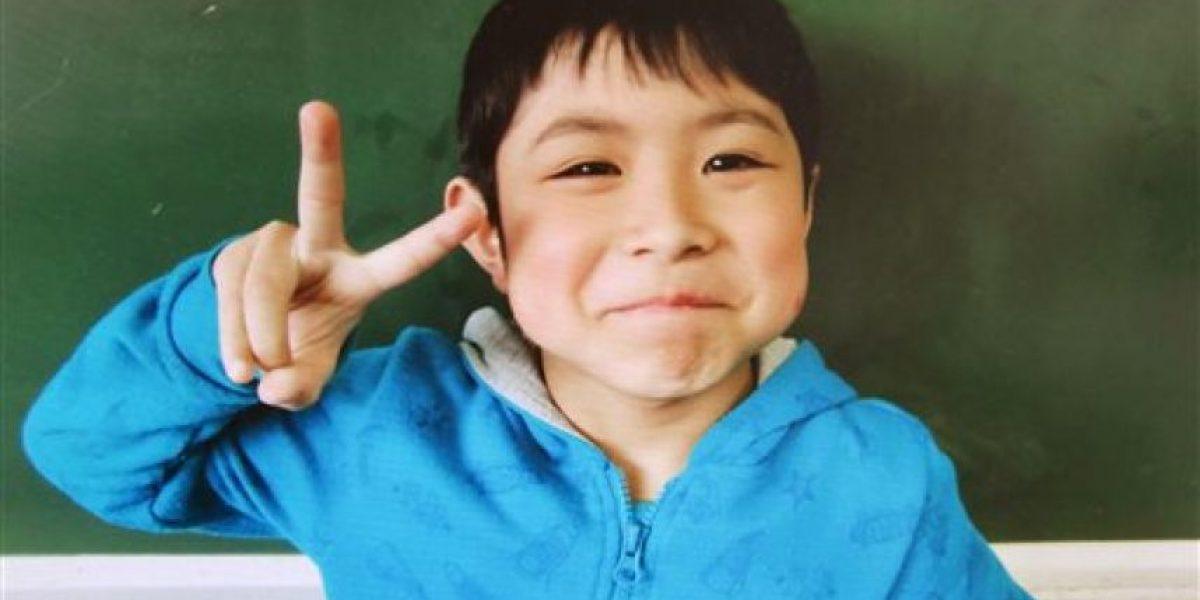 Japón recibe con emoción a niño abandonado en un bosque