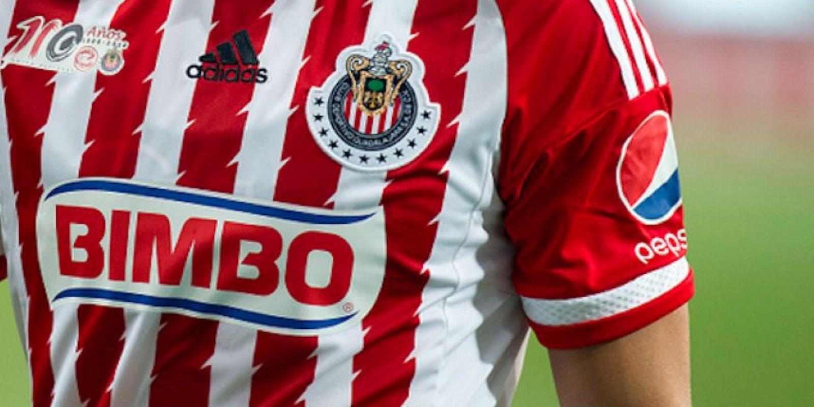 La marca alemana patrocinó a Chivas desde 2011. Foto:Getty Images
