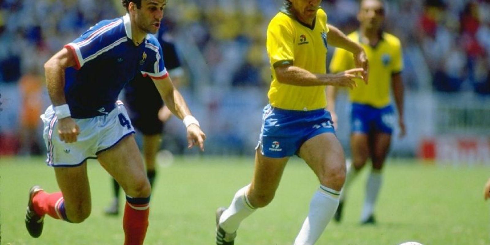 Otro de los grandes jugadores que tuvo la historia del fútbol brasileño, pero que no pudo celebrar un título de la Copa del Mundo o una Copa América. En el torneo continental, disputó la edición de 1979 y terminó en la tercera posición tras caer en semifinales ante Paraguay Foto:Getty Images