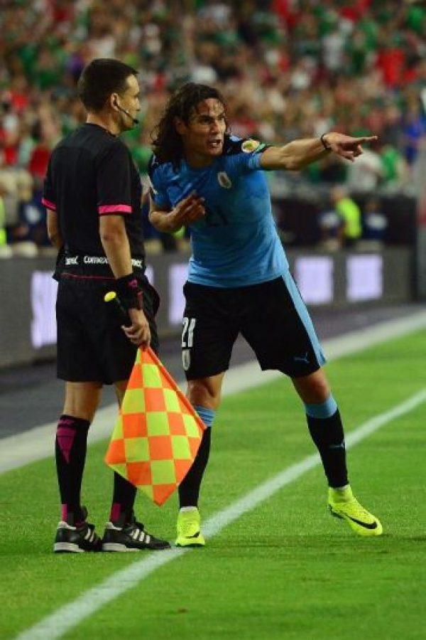 Además del mal rato vivido, los uruguayos cayeron por 3 a 1 ante México Foto:AFP