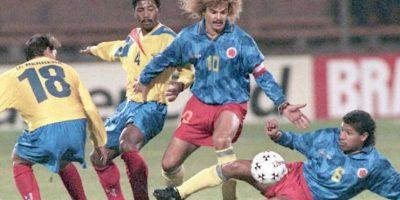 Carlos Valderrama es una de las figuras sudamericanas que nunca ha ganado el torneo Foto:AFP
