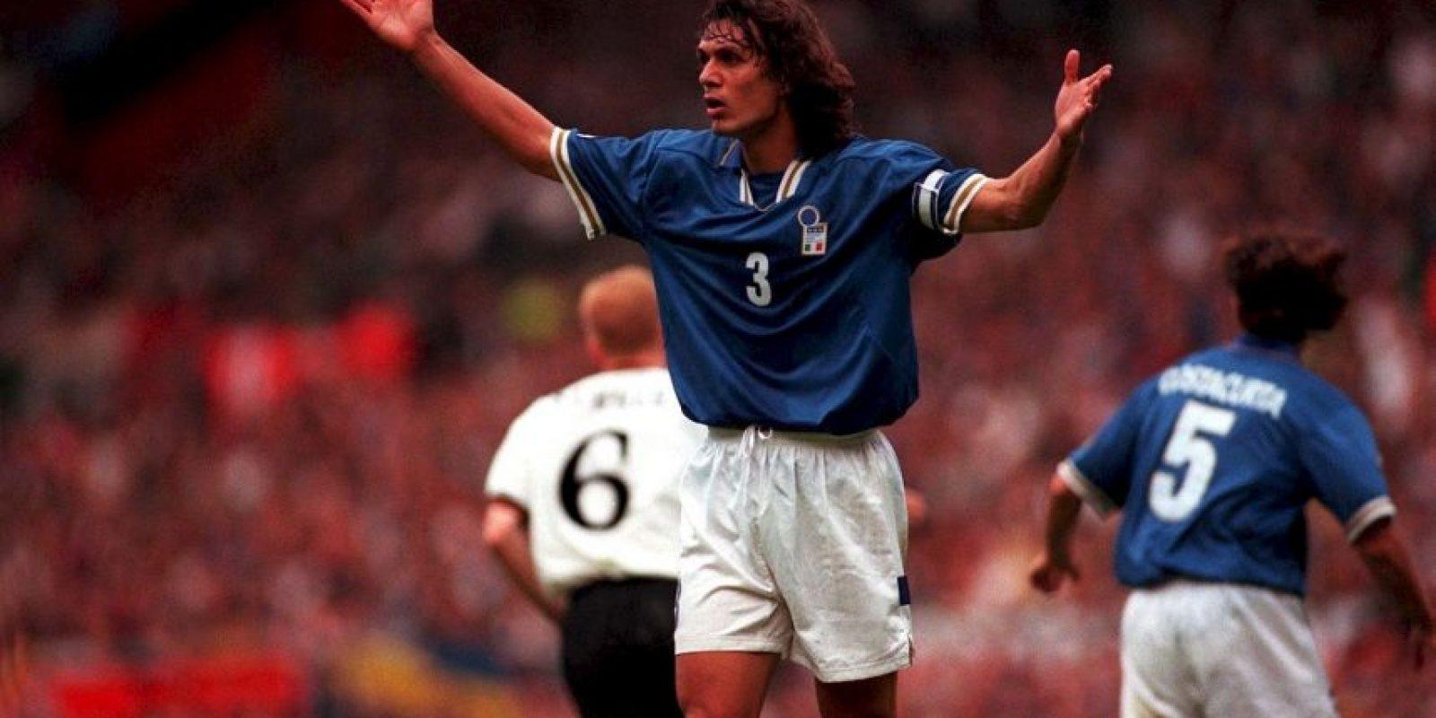 El emblema de los italianos participó de los torneos de 1988, 1996 y 2000. Nunca pudo ganar el torneo y su mejor resultado fue el subcampeonato que se jugó en Bélgica y Holanda en el inicio del siglo XXI Foto:Getty images