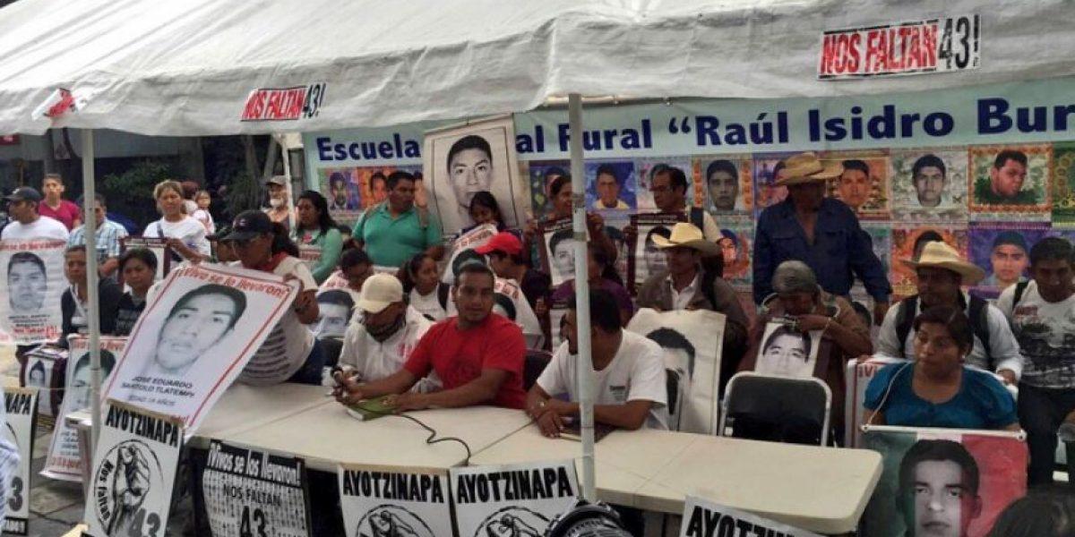 Sospechoso, cambio de fiscal para caso Iguala: padres