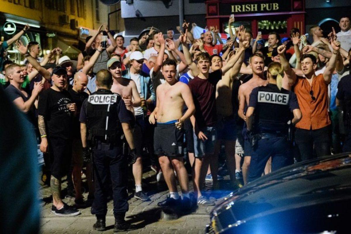 La policía tuvo que dispersar todo con gases lacrimógenos Foto:AFP