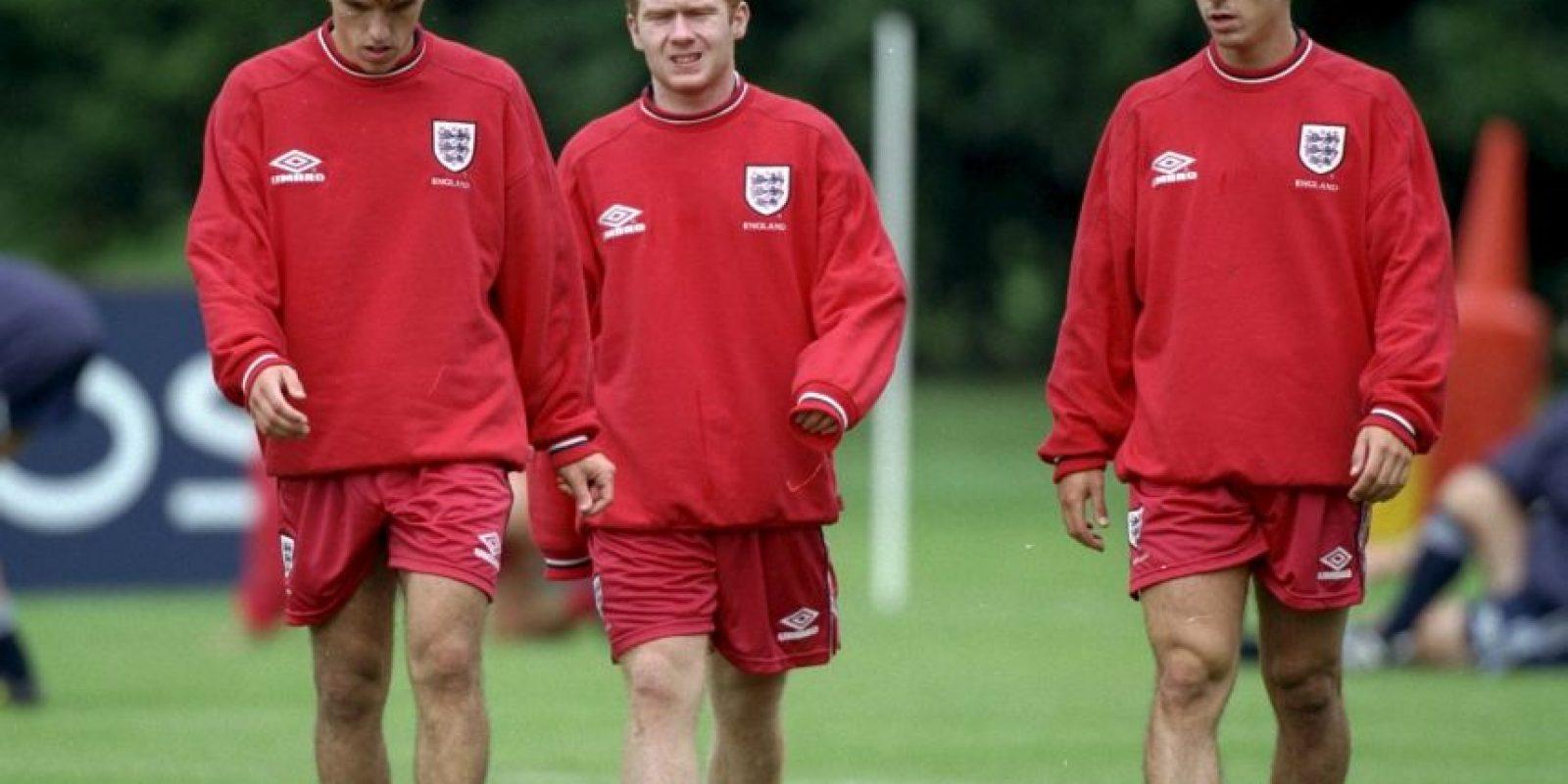 El mismo caso es el de los hermanos Neville, quienes compartieron tres Eurocopa Foto:Getty Images
