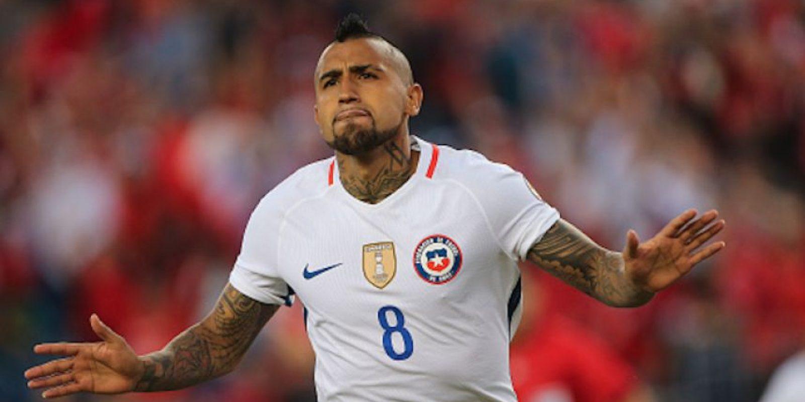 """El """"Rey"""" Arturo Vidal marcó los dos goles que le dieron la victoria a La Roja. Foto:Getty Images"""