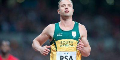 El corredor paralímpico sudafricano enfrenta una condena por el asesinato de su exnovia, Reeva Steenkamp. Foto:Getty Images