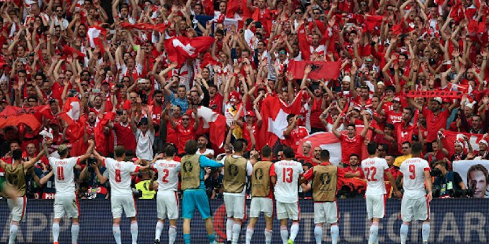 Con un solitario gol de Schar, los suizos sumaron su primera victoria del certamen. Foto:Getty Images