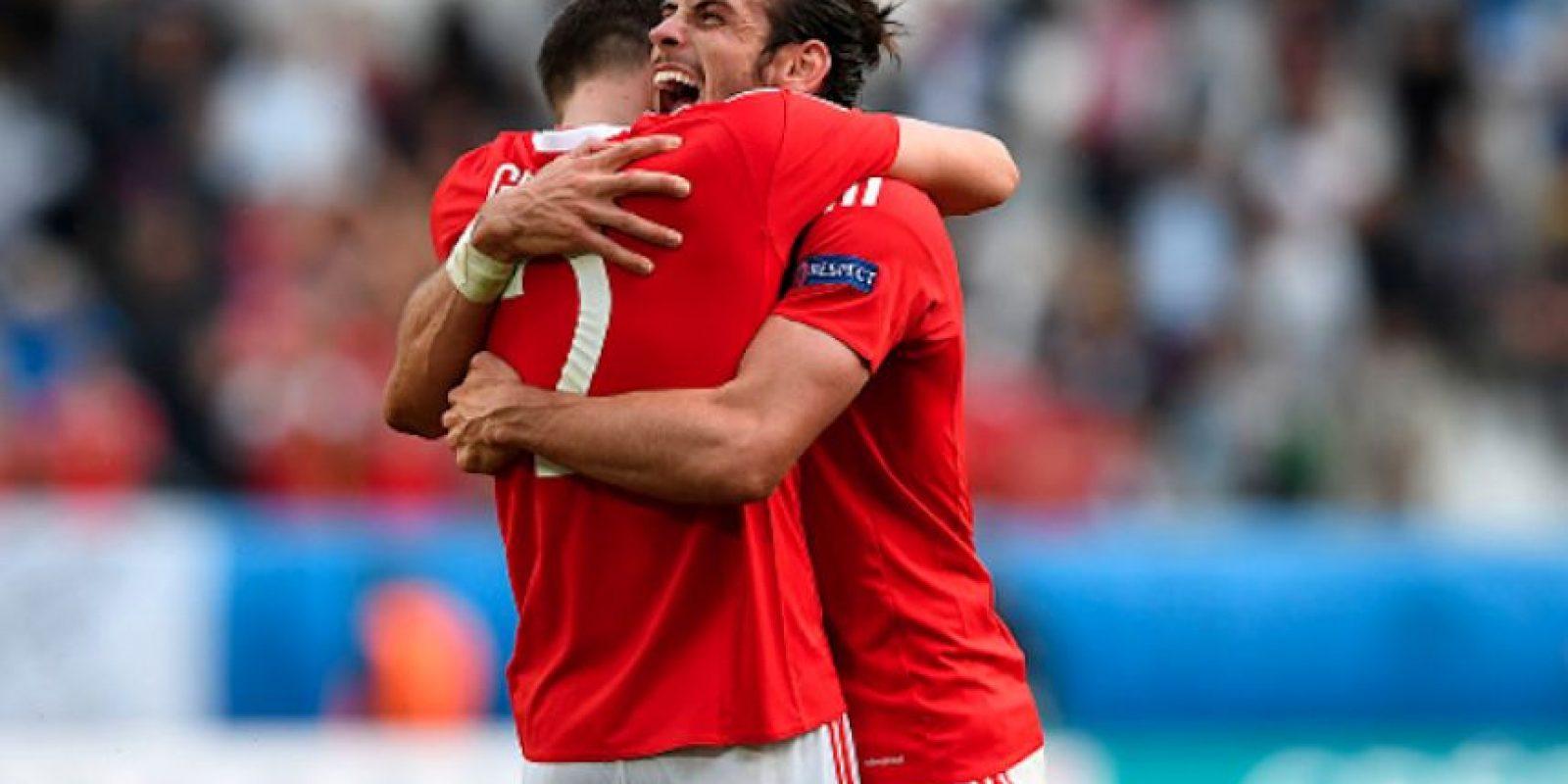El jugador estrella de los galeses, Gareth Bale, abrió el marcador al minuto. Foto:Getty Images