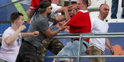 Aficionados de Inglaterra y Rusia desatan actos de violencia, tras el juego en Marsella por la Eurocopa Foto:Getty Images