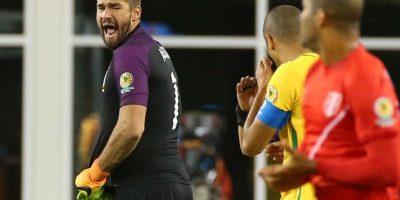 Pese a la polémica mano, en Brasil les importó más pedir que se vaya el técnico Foto:AFP