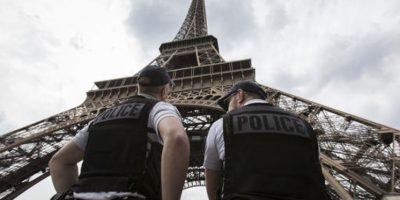 Cuando sucedieron los atentados de París de noviembre pasado lució en la noche los colores de la bandera tricolor francesa. Foto:AP/ Archivo