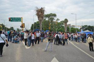 Los maestros bloquean autopistas del estado Foto:ADNSureste