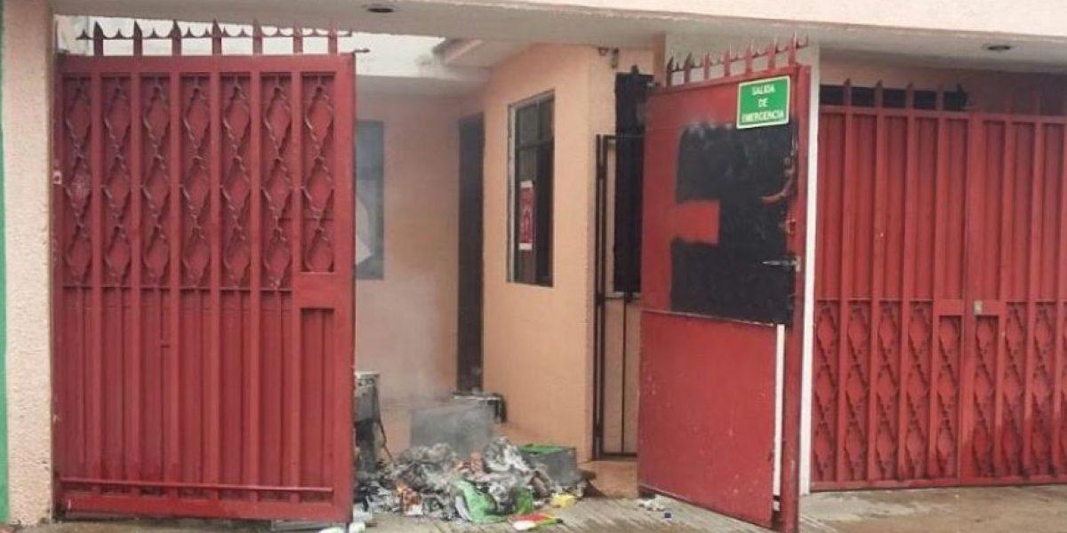 Supuestos maestros vandalizan oficinas de DH en Oaxaca