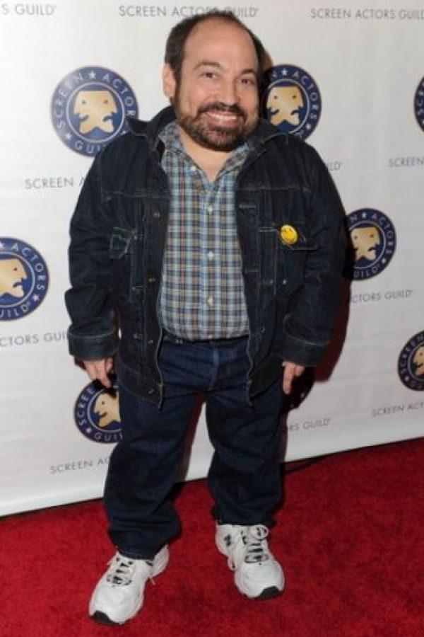 Danny Woodburn/Mide 1 metro con 21 centímetros /(47 pulgadas) Foto:Getty Images
