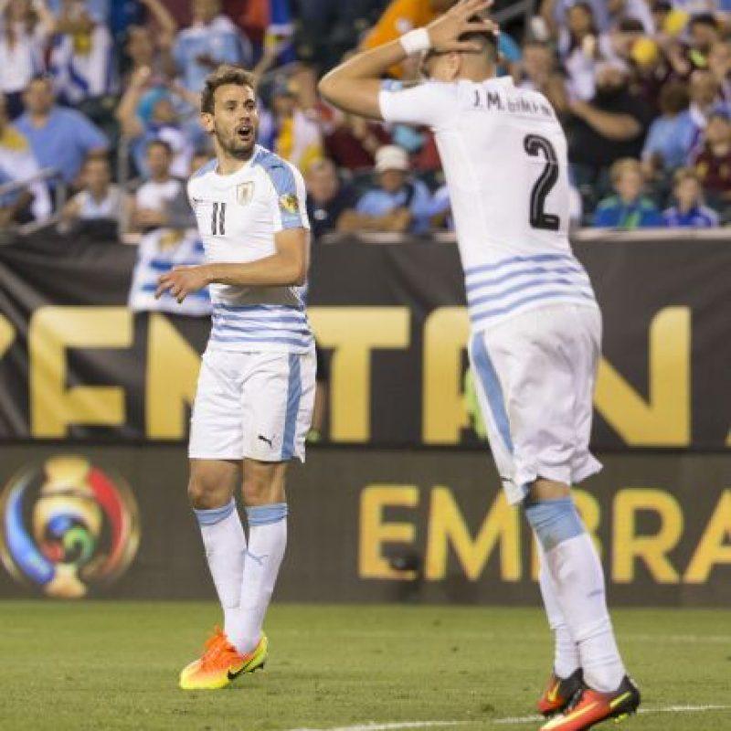 Los charrúas parecen más obligados a irse del torneo con un triunfo Foto:Getty Images