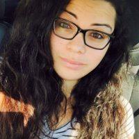 Amanda Alvear, de 25 años acompañaba a su amiga Mercedez. Foto:Facebook