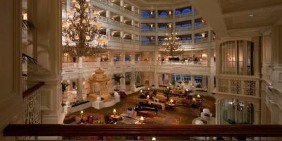 Tiene un lobby estilo victoriano Foto:Disneyworld.disney.go.com