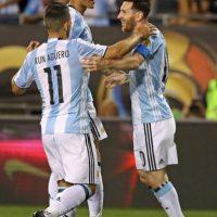 Sergio Agüero reconoció que hizo un pacto con su amigo Messi para dejarse el nuevo look Foto:Getty Images