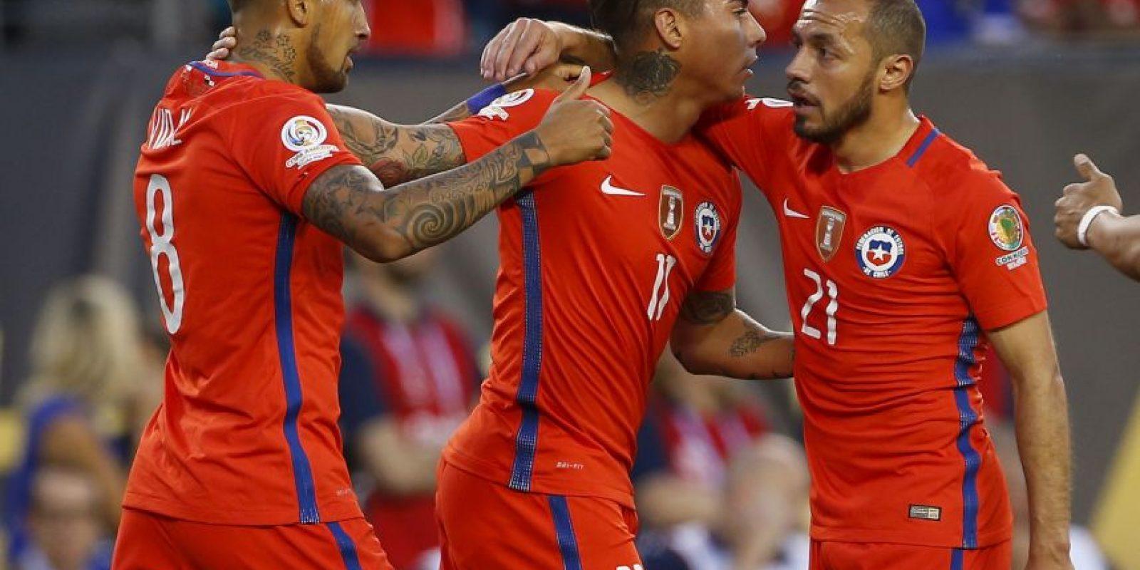 Chile comenzó con el pie izquierdo la Copa América Centenario y cayó ante Argentina por 2 a 1. Luego venció a Bolivia y Panamá para asegurar el segundo lugar de la Copa América Centenario Foto:Getty Images