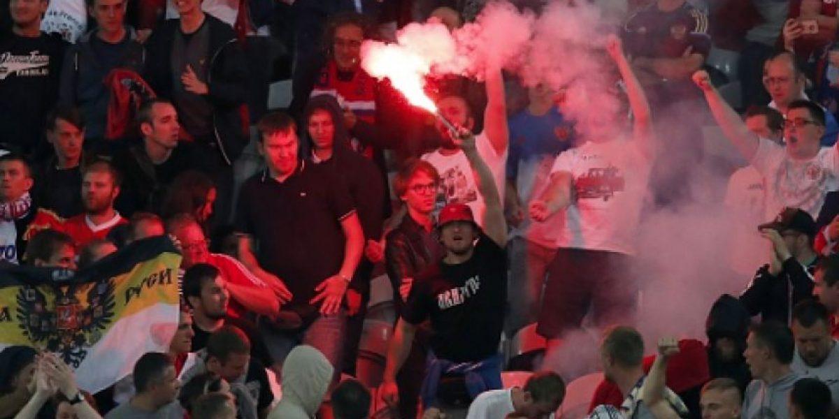 Condenan a aficionados rusos por disturbios en la Eurocopa