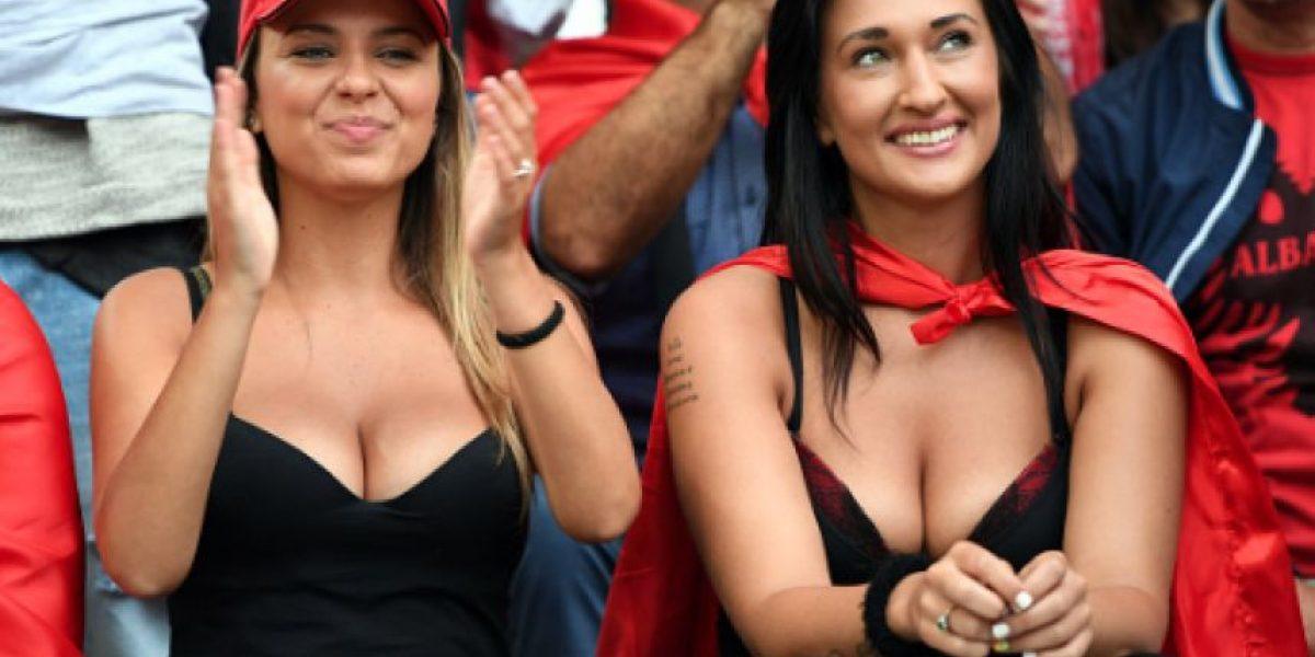 FOTOS: También deslumbran las mujeres hermosas en la Euro
