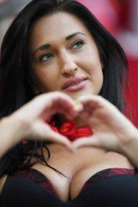 Las chicas más hermosas de la Eurocopa Foto:Getty Images