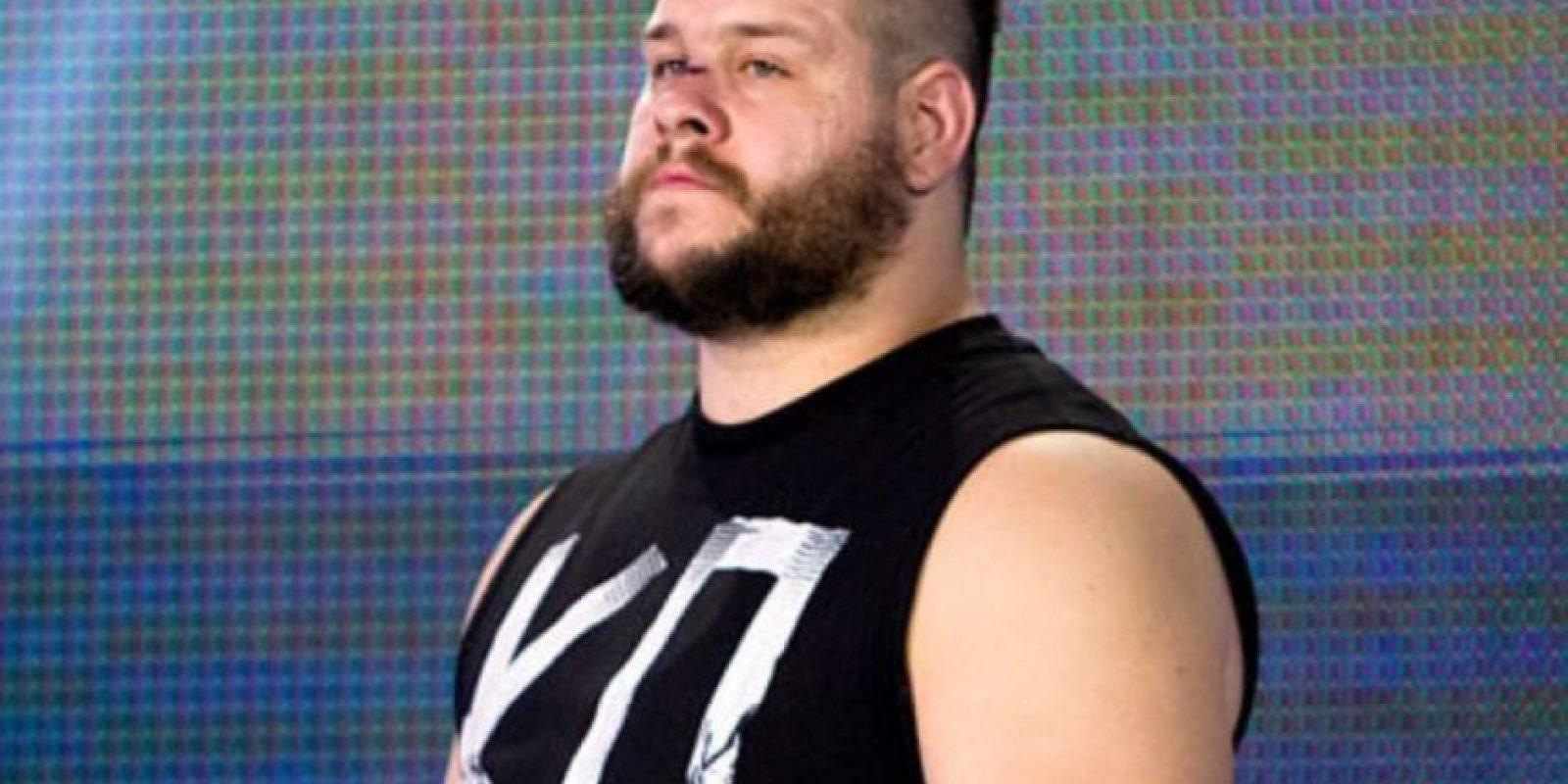 Y Kevin Owens Foto:WWE