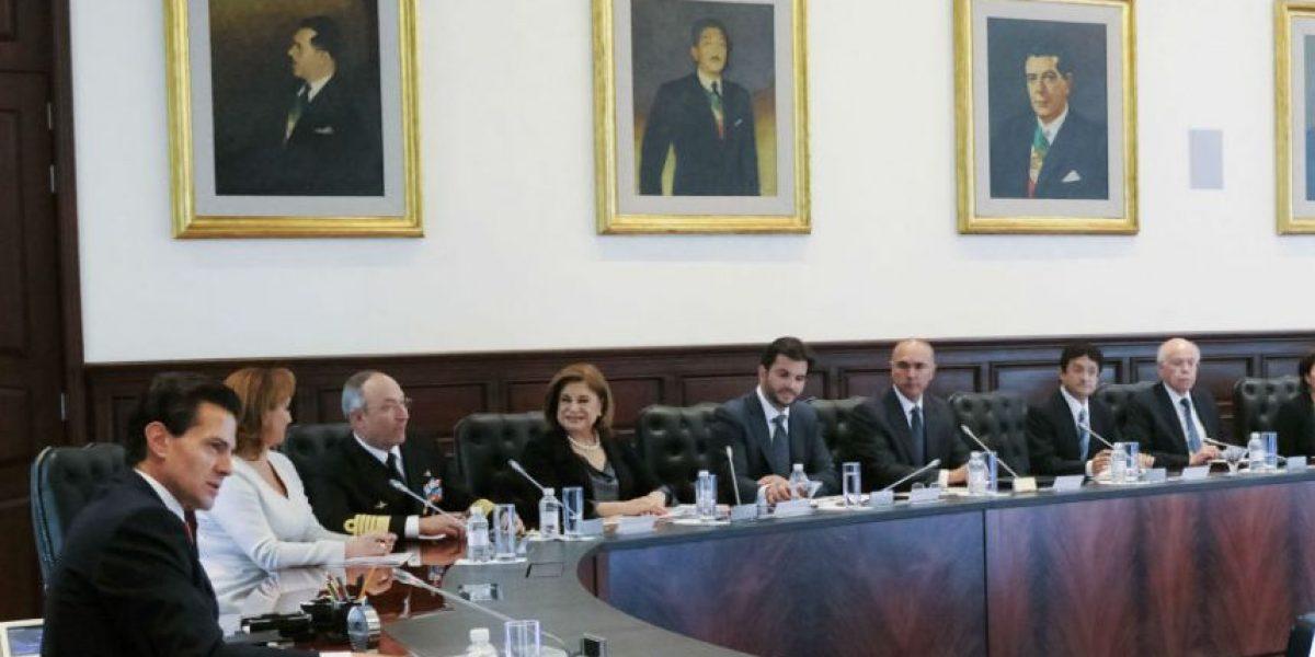 Peña Nieto pide a gabinete trabajar con nuevos gobernadores