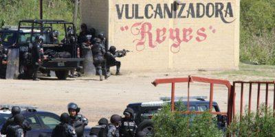 Aunque la Comisión Nacional de Seguridad negara que los Policías armados, se han difundido fotografías que muestran lo contrario Foto:AP