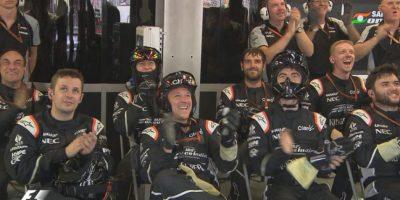 El equipo de Force India festeja el podio de Pérez. Foto:Twitter
