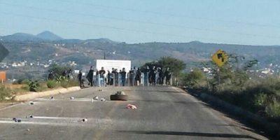 Los uniformados tuvieron un enfrentamiento el día de ayer con los maestros Foto:ADNSureste
