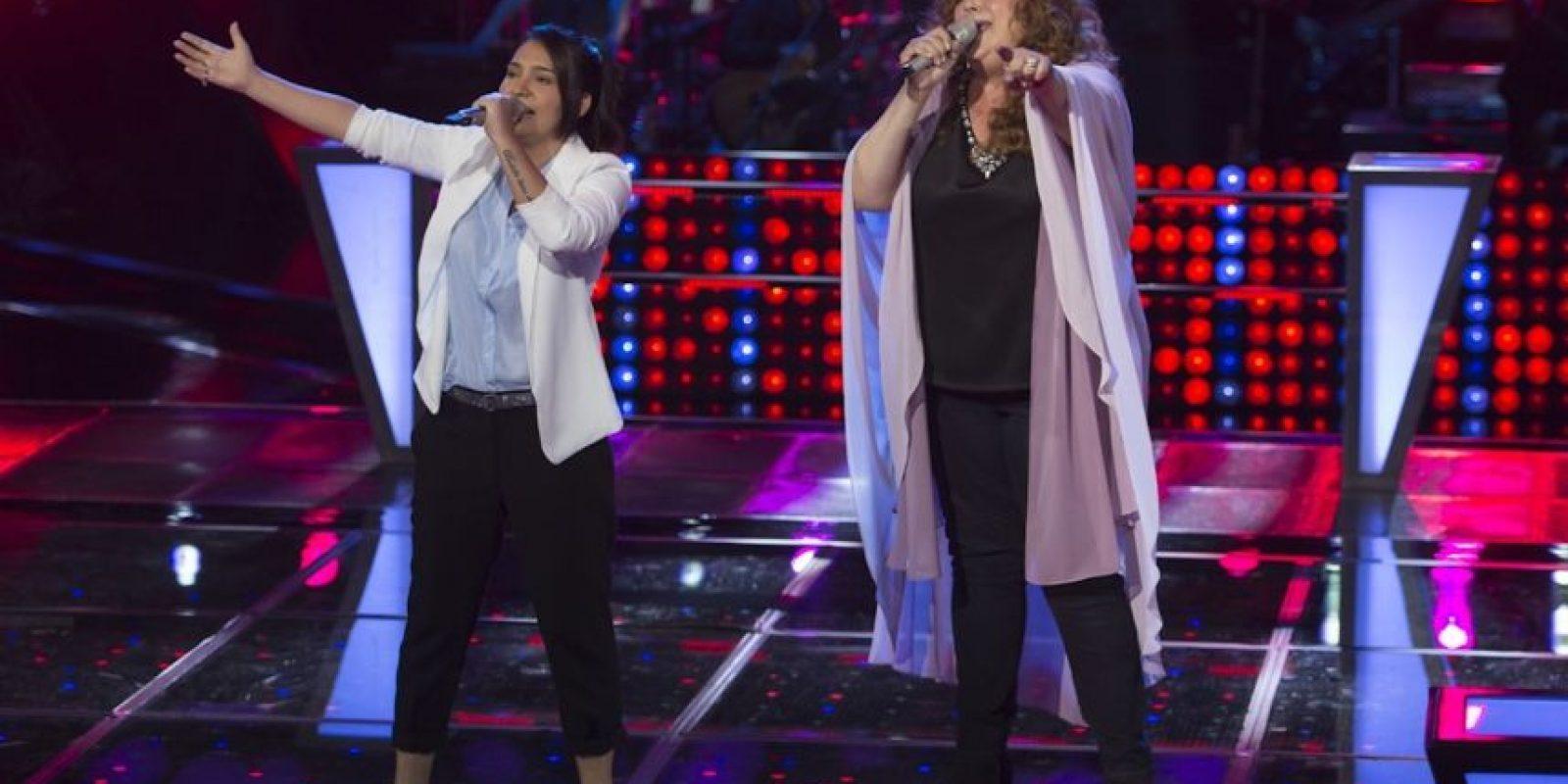 """Eva Kabande y Gaby León cantaron """"Sólo le pido a Dios"""" – Resultó ganadora Eva Foto:Televisa"""