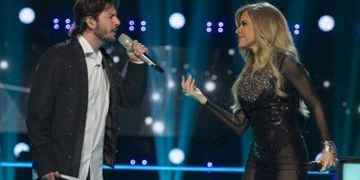 """Gloria Trevi y Manuel Carrasco hicieron un dueto en el escenario de """"La Voz… México"""" con la melodía """"Ya no"""" Foto:Televisa"""