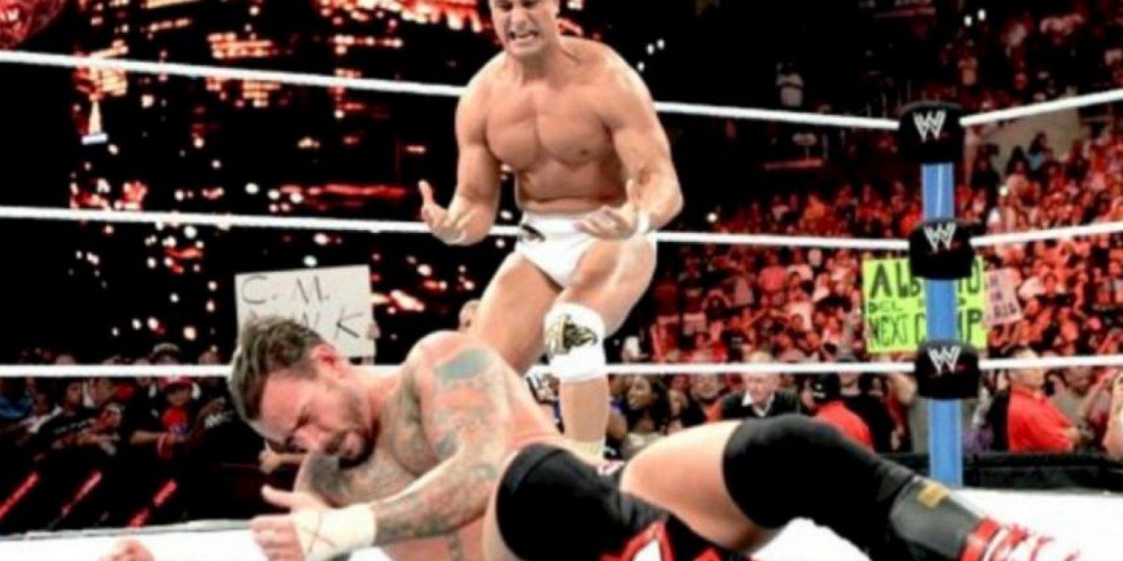 """Fotos: Los 9 reinados más fugaces de la WWE Venció a Cena en SummerSlam de 2011, pero en esa función cayó con Alberto del Río que cambió el """"Dinero en el Banco"""" Foto:WWE"""