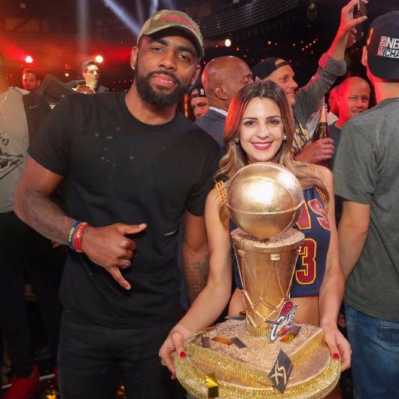 Además de los festejos en el estadio de Golden State Warriors, los jugadores de Cleveland Cavaliers se trasladaron hasta Las Vegas para tener una fiesta en el club nocturno XS Foto:Twitter XS Las Vegas