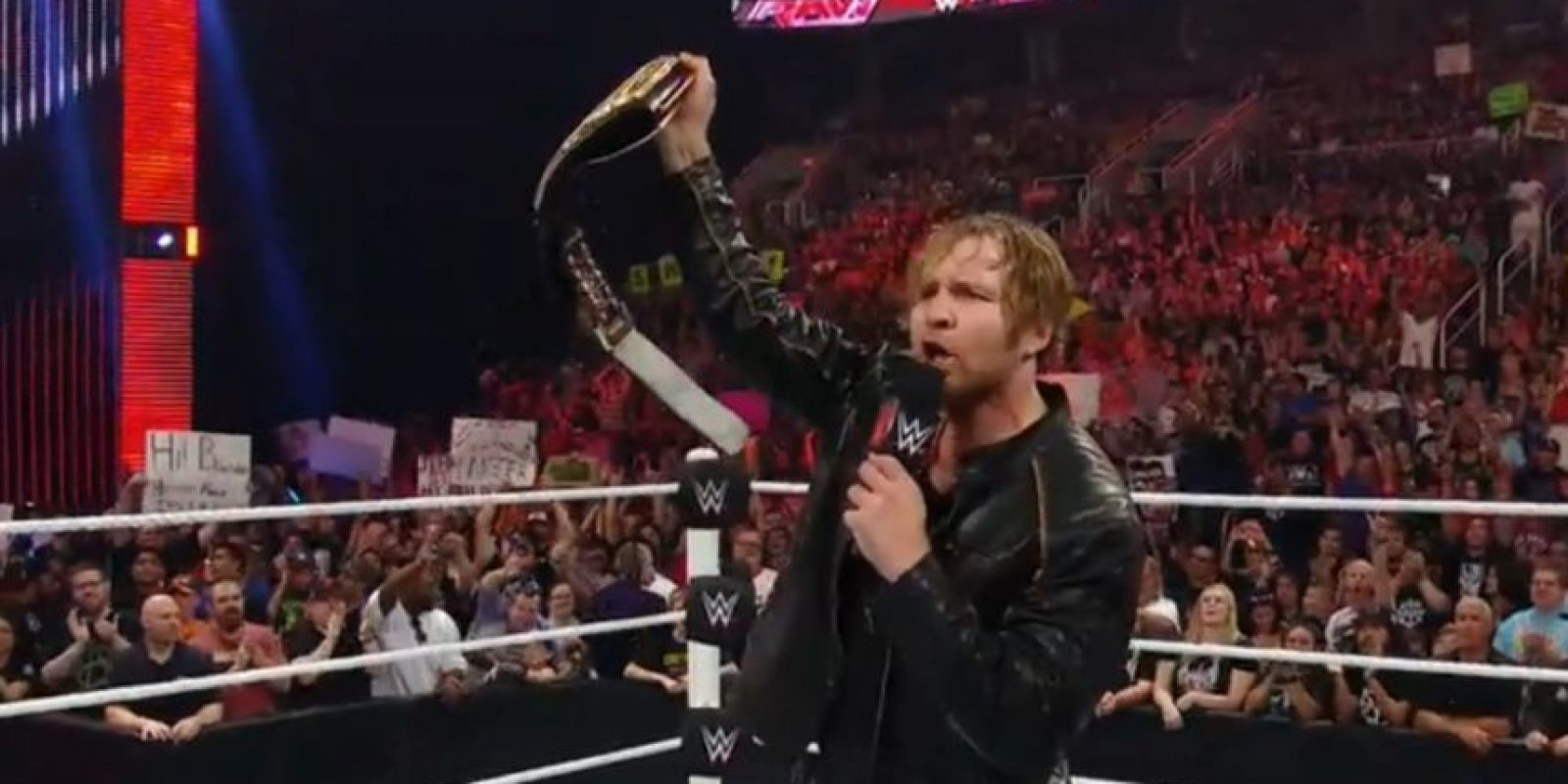Dean Ambrose celebró en Raw su hazaña en Money in the Bank Foto:WWE