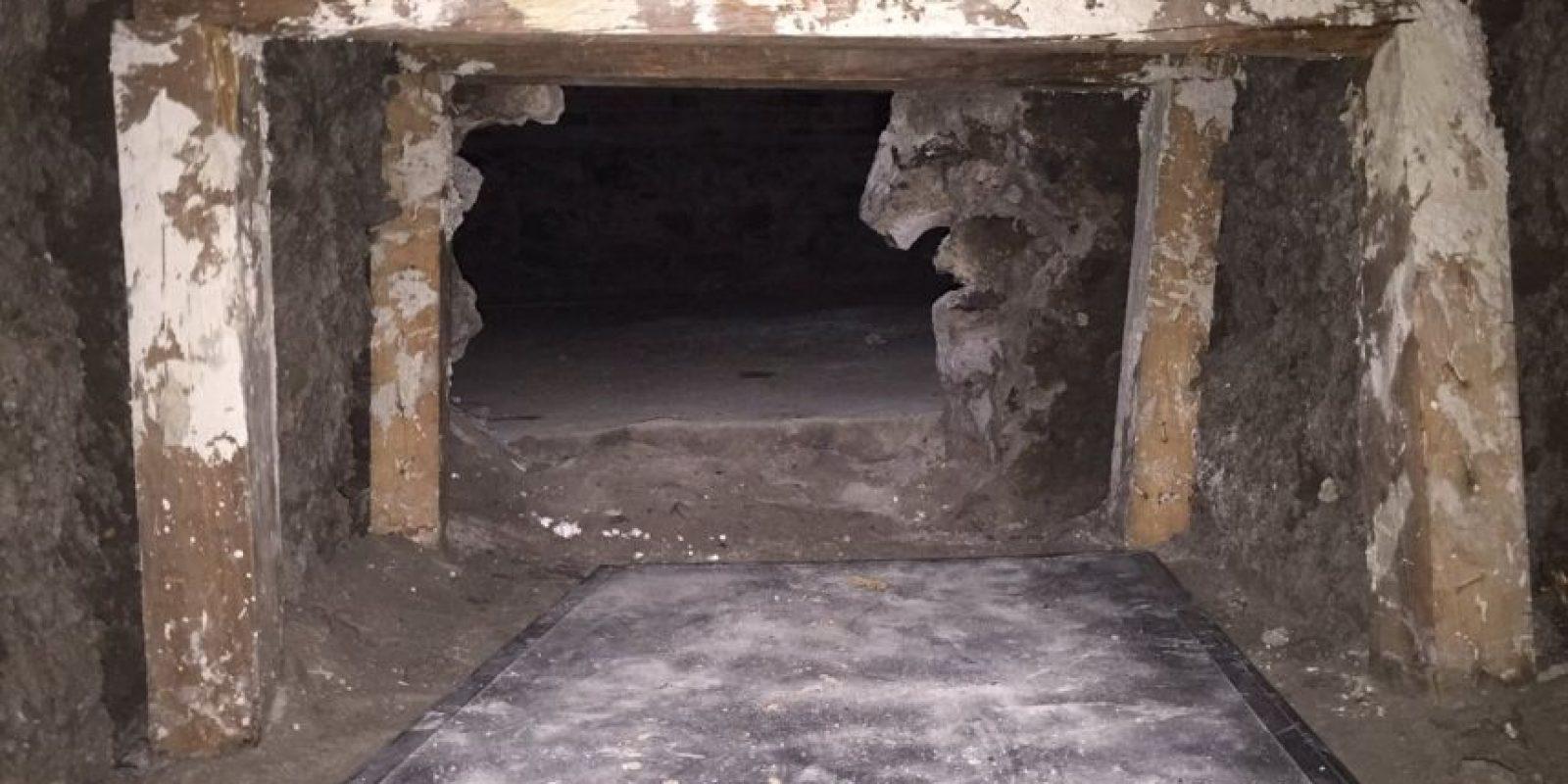 El túnel conectaba a la vivienda aledaña Foto:Twitter @PGJDF_CDMX