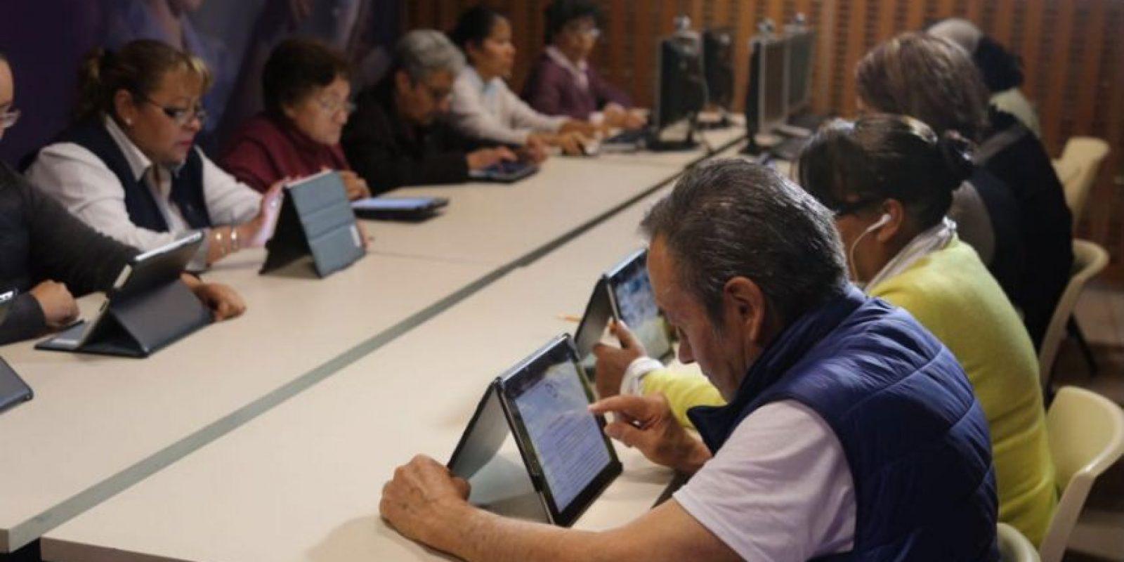La aldea en el Zócalo tendrá más de 20 mil metros cuadrados de tecnología Foto:@ManceraMiguelMX