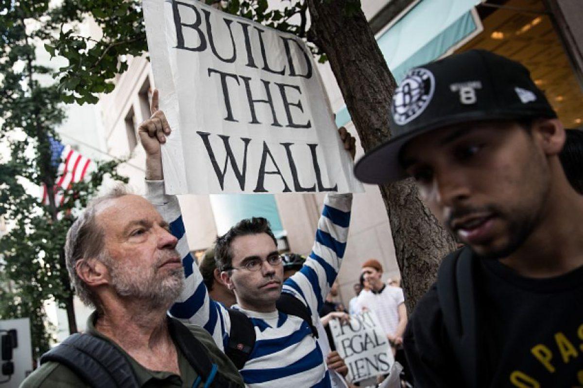 Y le pidieron que construya el muro entre Estados Unidos y México Foto:Getty Images