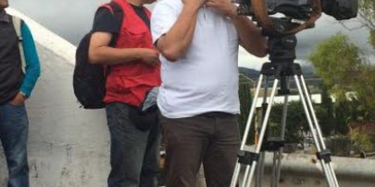 CNTE libera a los dos reporteros de TV Azteca