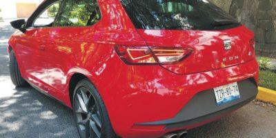 La mejor parte, si hablamos de diseño, luces en LED y portón eléctrico de formaautónoma hacen de esta SUV de tamaño grande un excelente vehículo parapresumir a diario. Foto:Mazda