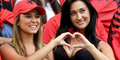 Las aficionadas de Albania fueron consideradas las más bellas de la Euro. Foto:AFP